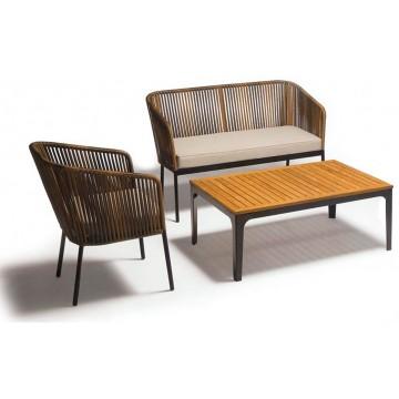 Set salotto con struttura in metallo verniciato, rivestimento in filo di polietilene, piano in teak