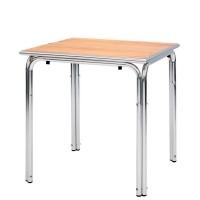 Tavolo con base in alluminio e piano in doghe di legno